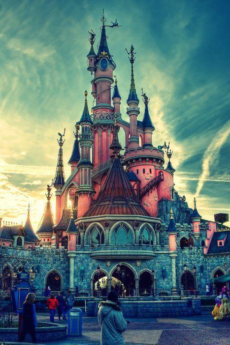 chateau de disney land paris