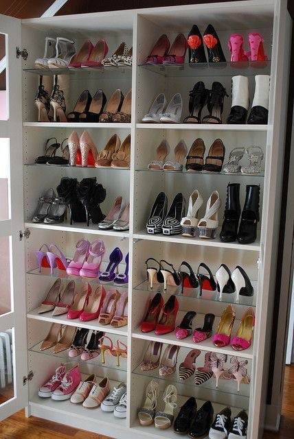 armoire de chaussures. Black Bedroom Furniture Sets. Home Design Ideas